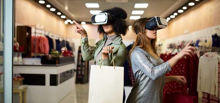 Mujeres en un shopping.
