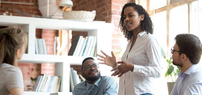 Conseguirás autonomía y mejora la autoestima al aprender inglés escuchando