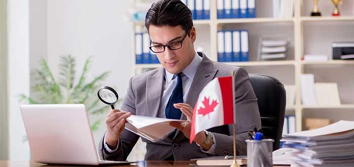 Estudiar y trabajar en Canada al mismo tiempo si es posible