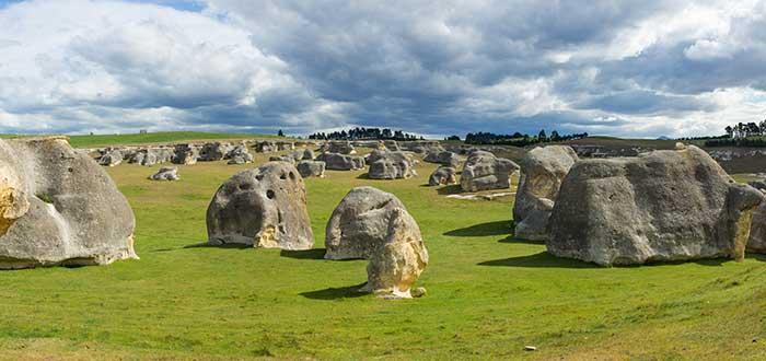 Elephant Rocks   Peculiares caprichos de la geología neozelandesa
