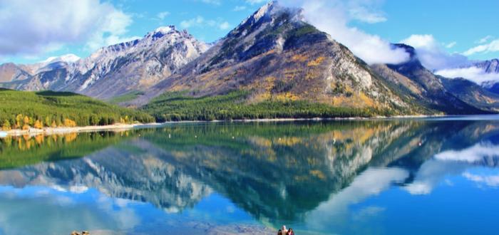 que-ver-en-canada-lago-minnewanka