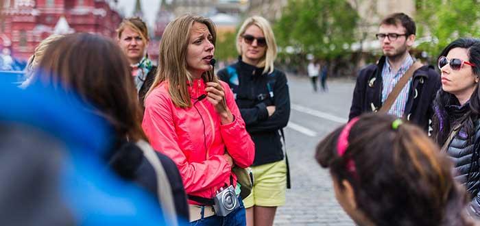 Aprender ingles viajando, No te muevas únicamente por zonas turísticas