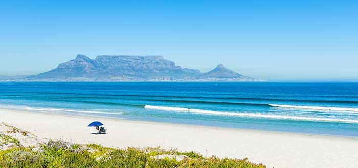 Que ver en Ciudad del Cabo, Bloubergstrand Beach