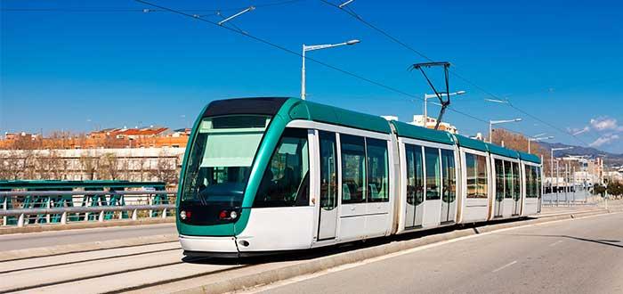 Tranvia transporte publico barcelona