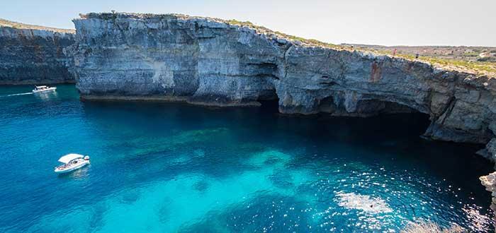 Malta, uno de los mejores destinos para viajar en avión por podemos multar