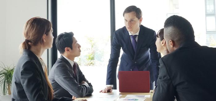 cursos de inglés intensivo en el extranjero para gente de negocios